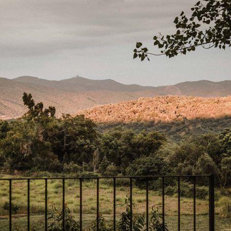 Una boda en La Cartuja de Cazalla de la Sierra. Naturaleza, historia y emoción.