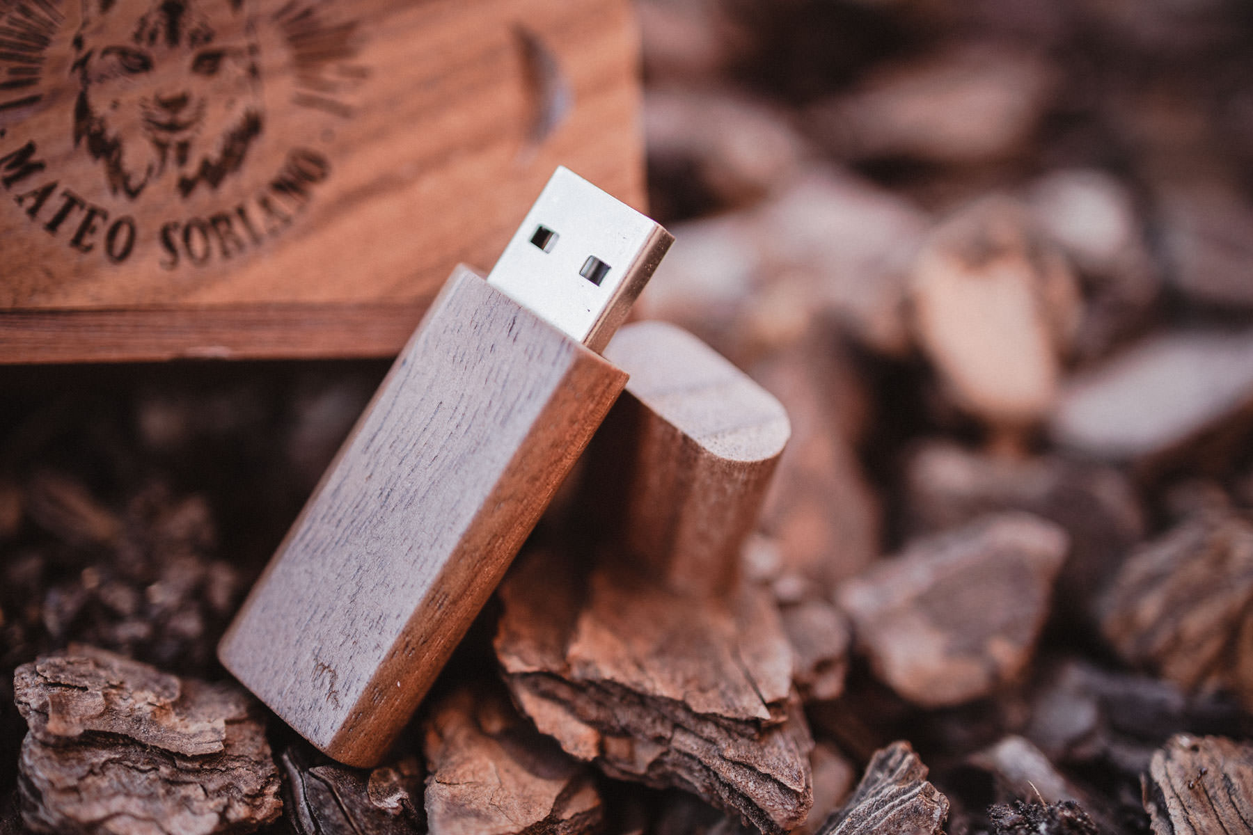 Caja de madera USB para fotografía de comunión